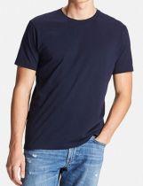 Top shop bán áo thun cho nam đẹp trên đường Cộng Hòa