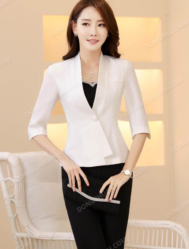 Top shop bán áo vest cao cấp cho nữ tại Quận 4, TP.HCM
