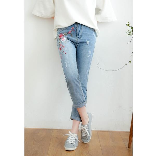 Top shop bán quần jeans nữ giá rẻ tại Quận 5, TP.HCM