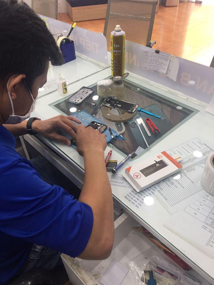 Cửa hàng sửa chữa điện thoại tại Quận 7, TP.HCM