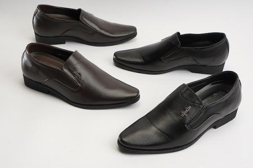 Top shop bán giày tăng chiều cao nam tại Quận 5, TpHCM