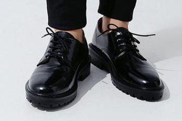 Lựa chọn size giày chuẩn US, EU cho nam giới
