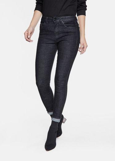 Danh sách shop bán quần jean cho nữ đẹp tại Quận 10