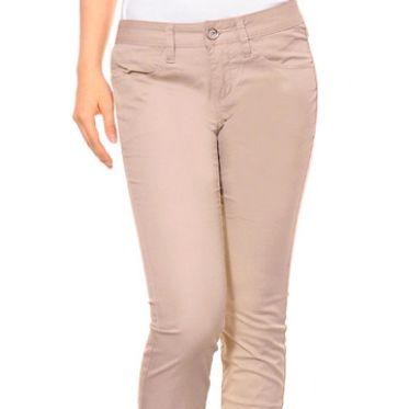 Danh sách shop bán quần kaki cho nữ trẻ trung trên đường Nguyễn Thị Thập