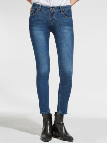 Top shop bán quần jean cho nữ đẹp trên đường Nguyễn Ảnh Thủ
