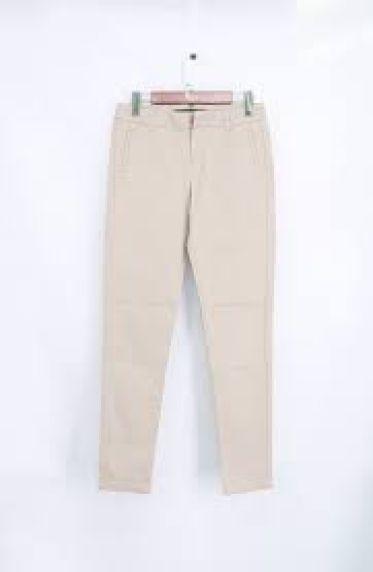 Top shop bán quần kaki cho nữ đẹp, trẻ trung trên đường Huỳnh Văn Bánh