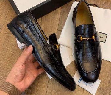 Top shop bán giày mọi nam tại Quận 4, TpHCM