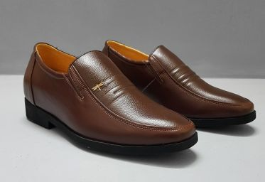 Top shop bán giày tăng chiều cao nam tại Quận 4, TpHCM